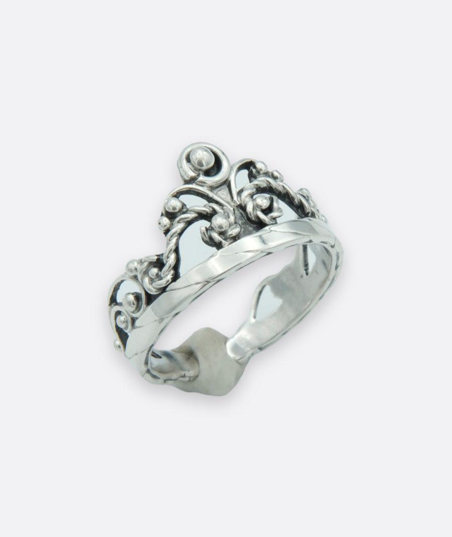 anillo tiara o corona inspirado en las reinas de la historia. plata de ley trabajada a mano