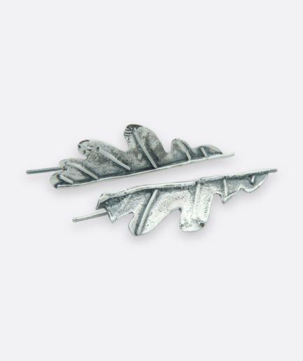 pendientes media hoja de roble realizados en plata de ley joyeria artesanal